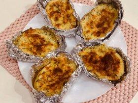 Печеная картошка с начинкой в духовке