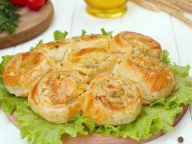 Пирог с брынзой и зеленью
