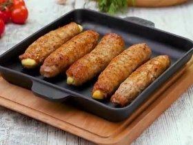 Мясные палочки с сыром и огурцом